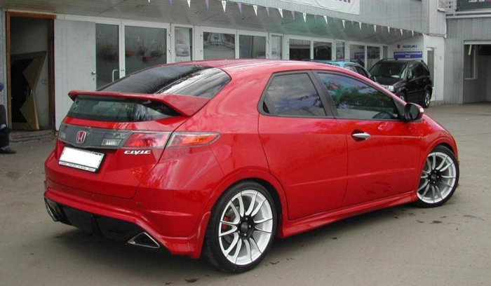 Тюнинг Honda Civic 5d красный