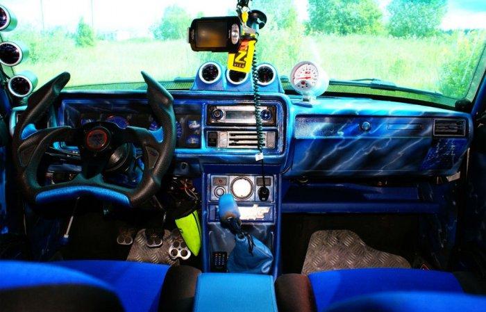 Тюнинг салона LADA 2107 синий